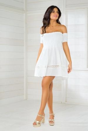 белое пляжное платье бандо