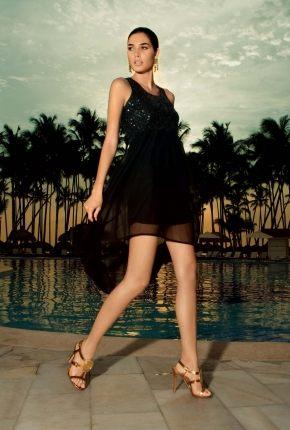 Пляжное платье в пайетках  ICONIQUE